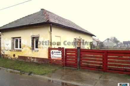 Törtel családi ház eladó, 2 szobás