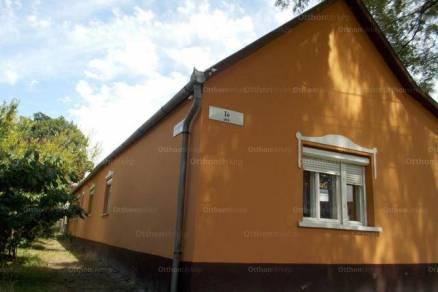 Kiskunhalas családi ház eladó, 5 szobás