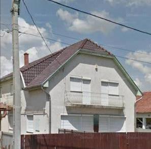 Jászárokszállási családi ház eladó, 250 négyzetméteres, 6 szobás