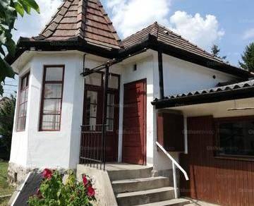 Eladó családi ház Pomáz, 2 szobás