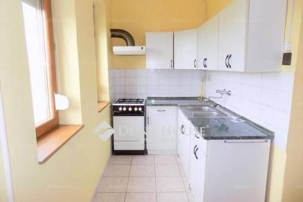 Eladó lakás Debrecen a Kassai úton, 1+2 szobás