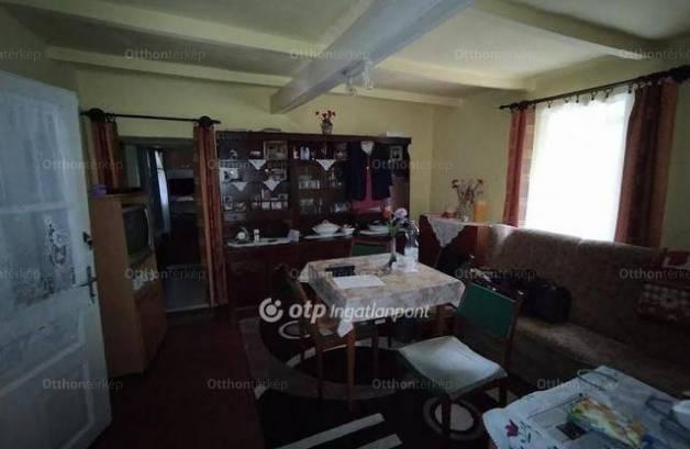Eladó 2 szobás családi ház Bócsa