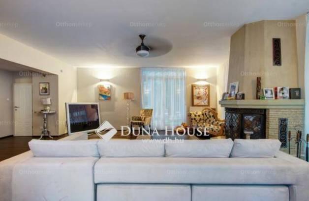 Leányfalui eladó családi ház, 5 szobás, 400 négyzetméteres