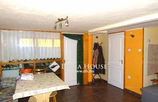 Kecskeméti családi ház eladó, 75 négyzetméteres, 1+1 szobás