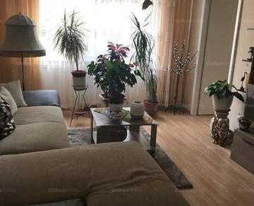 Eladó lakás Békéscsaba, 2+1 szobás