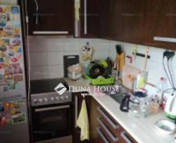 Eladó 2+1 szobás lakás Tatabánya a Sárberki lakótelepen