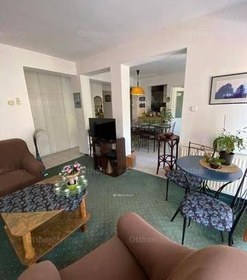 Pécs 2+1 szobás lakás eladó