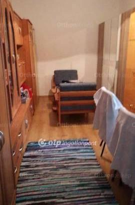 Eladó, Komló, 2 szobás