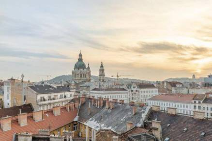 Eladó lakás Budapest, 5 szobás