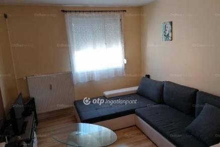 Eladó lakás Siklós, 1+1 szobás