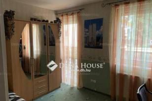 Eladó lakás Debrecen a Tőzsér utcában, 4 szobás