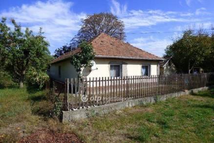 Kiskunhalas 2 szobás családi ház eladó
