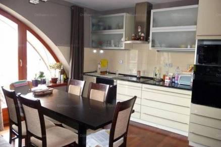 Eladó lakás Kalocsa a Duna utcában, 3 szobás