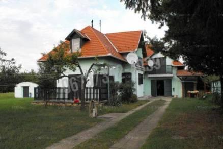 Kiadó 4 szobás családi ház Tata