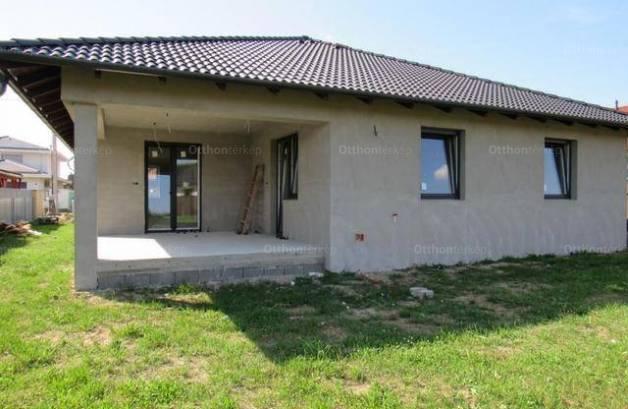 Eladó családi ház Debrecen, 4 szobás, új építésű