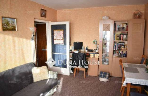 Debreceni eladó lakás, 1+1 szobás, a Domokos Lajos utcában