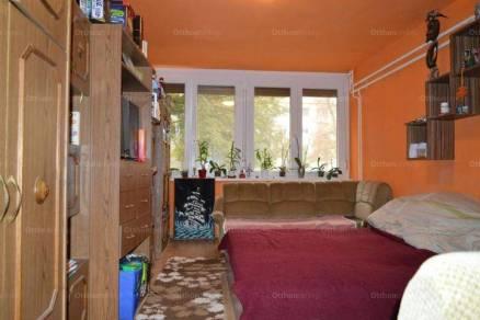 Szekszárdi lakás eladó, 51 négyzetméteres, 1+1 szobás