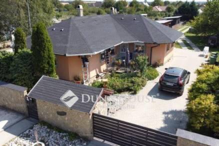 Ráckeresztúri eladó családi ház, 2+2 szobás
