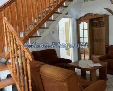 Sándorfalvai eladó családi ház, 4+1 szobás, 130 négyzetméteres