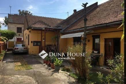 Eladó családi ház Pécs, Szövetség utca, 4 szobás