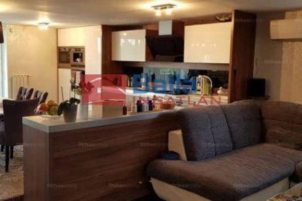 Eladó családi ház Csömör a Szegfű utcában, 4+1 szobás