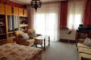 Várpalota 1+1 szobás lakás eladó a Rákóczi Ferenc utcában