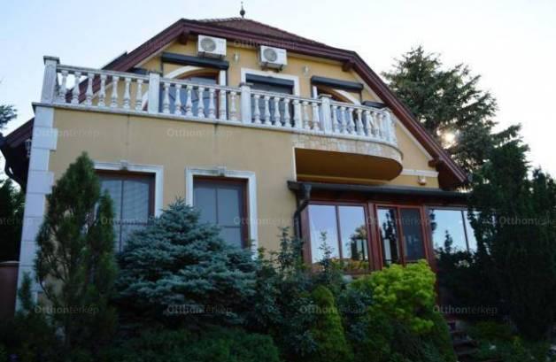 Kiadó 6 szobás családi ház Táborhegyen, Budapest, Laborc utca