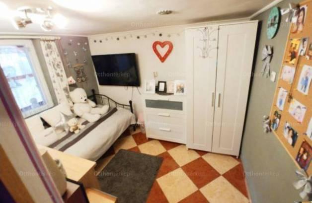 Eladó ikerház, Pomáz, 2 szobás