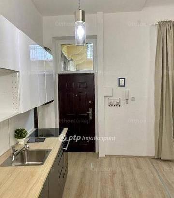 Budapesti lakás eladó, Terézváros, 1 szobás