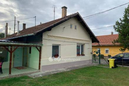 Ikerház eladó Miskolc, a Topiczer János utcában, 72 négyzetméteres