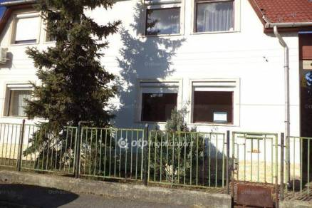 Eladó ikerház Miskolc, 6 szobás