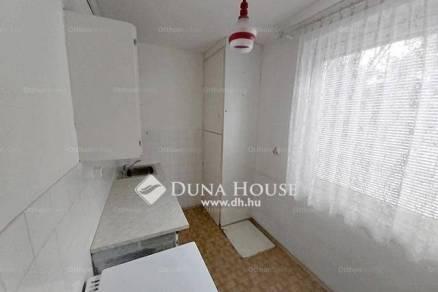 Tatabányai eladó lakás, 2 szobás, a Bánhidai lakótelepen