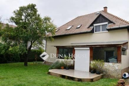 Ikerház eladó Budaörs, 180 négyzetméteres