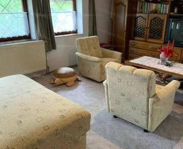 Kecskeméti családi ház eladó, 340 négyzetméteres, 7 szobás
