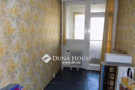 Eladó lakás Veszprém, 1+2 szobás
