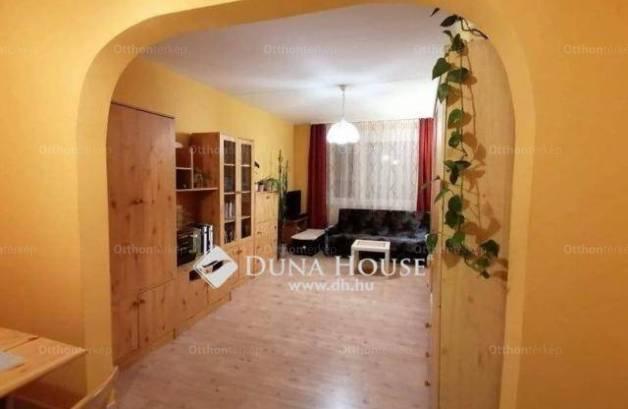 Eladó 1+2 szobás lakás Veszprém