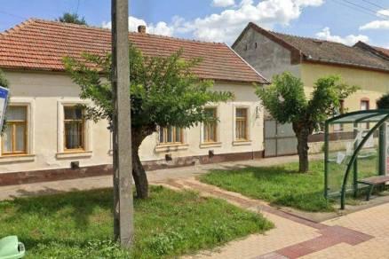 Eladó családi ház, Szeged a Negyvennyolcas utcában 33-ban, 4 szobás