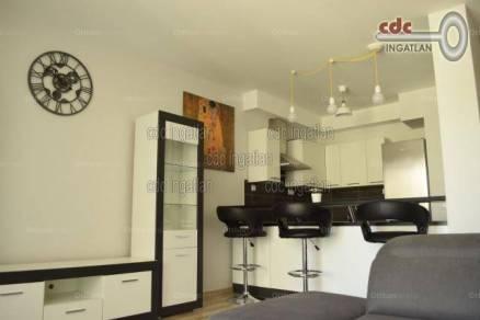 Eladó 2 szobás lakás Corvin negyedben, Budapest