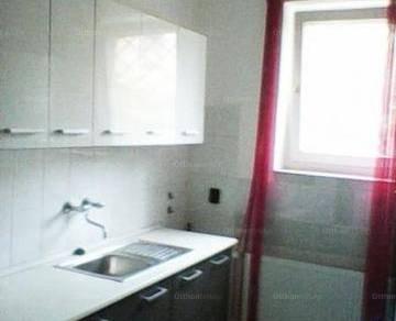Budapesti ikerház eladó, 75 négyzetméteres, 2+1 szobás