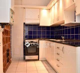 Szentendre lakás eladó, 2+1 szobás