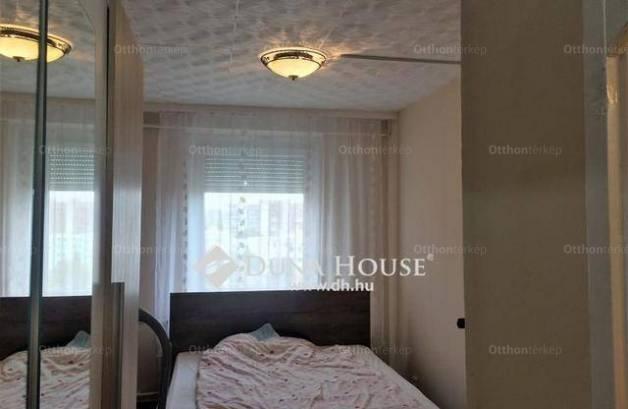 Veszprém 1+2 szobás lakás eladó a Március 15. utcában
