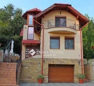 Eladó 2 szobás családi ház Komló