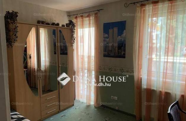 Debreceni eladó lakás, 4 szobás, 107 négyzetméteres