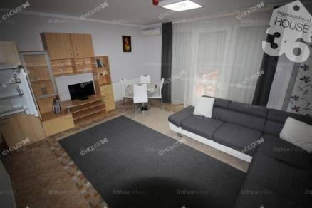 Hajdúszoboszlói eladó családi ház, 16 szobás