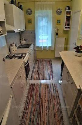 Pécsi eladó lakás, 1+1 szobás, 36 négyzetméteres