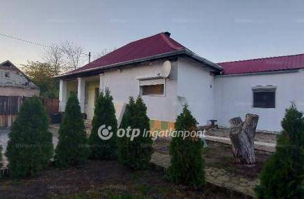 Kiskunlacháza 2 szobás családi ház eladó