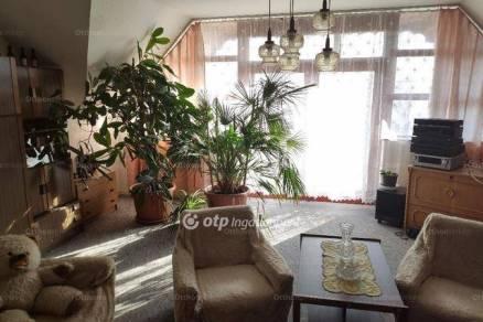 Siklósi eladó családi ház, 5 szobás, a Szentkút utcában