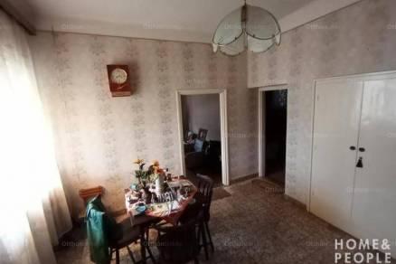 Sándorfalvai eladó családi ház, 3 szobás, 70 négyzetméteres