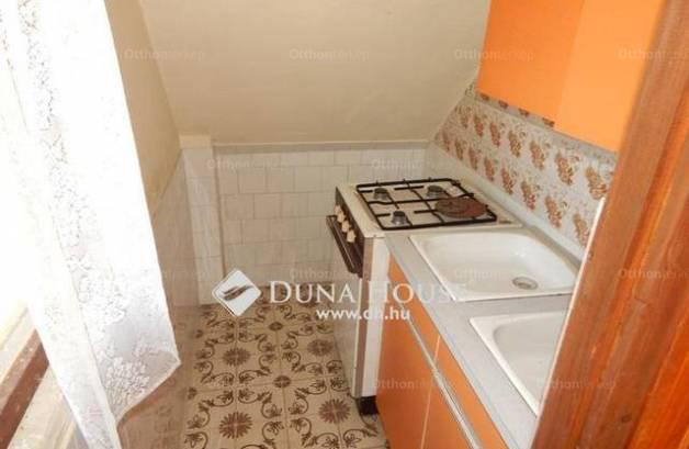 Eladó nyaraló Velence, 1+4 szobás