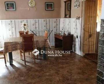 Eladó családi ház Csépa, 4 szobás